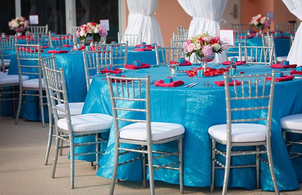 Silver Chiavari Chiavari Chair and table for indoor events