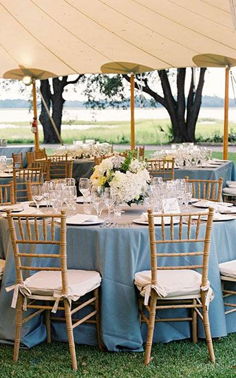 Wooden Chiavari Chair and table for outdoor weddings